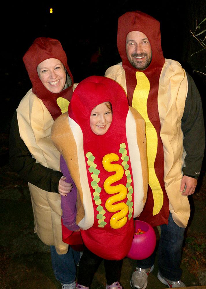 Halloweeen-hot-dogs-web